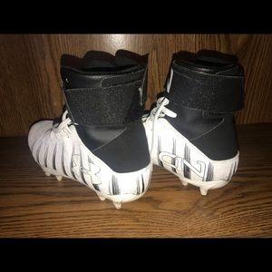 Nike Shoes - UA C1N youth football cleats sz 5